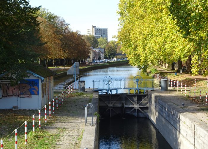 The banks of the Haute Deûle, an eco-district along the waterway